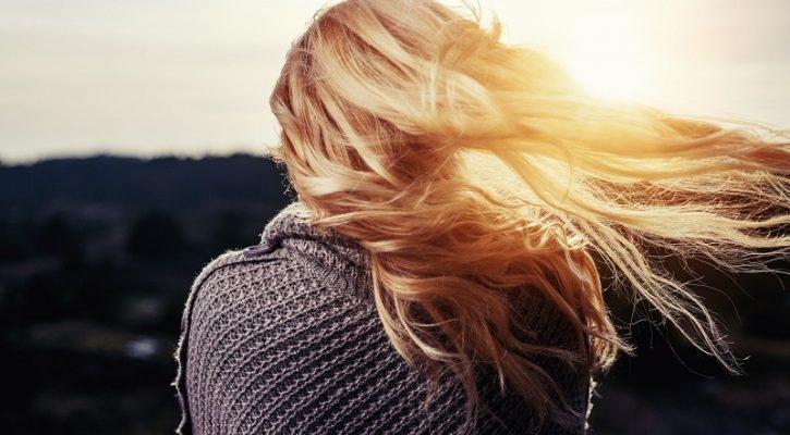 Perché le extension di capelli veri, comunque?